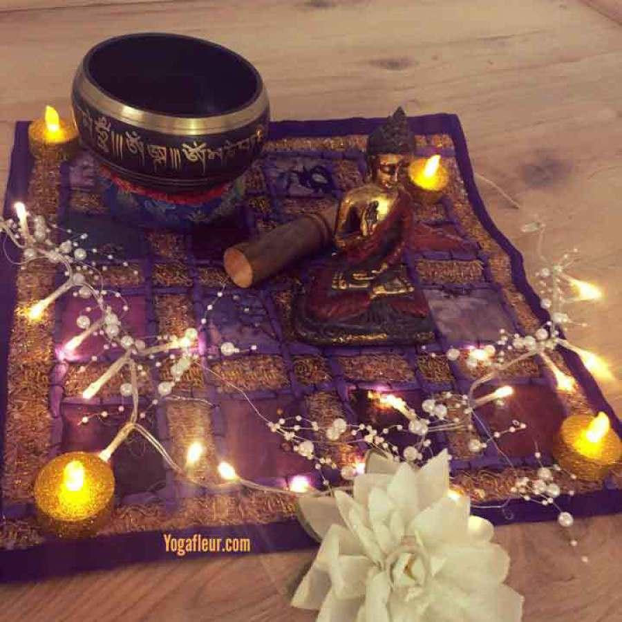 bol chantant et autel lumineux pour les bonnes ondes